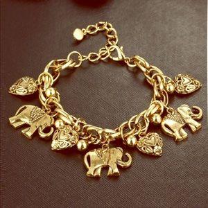 Jewelry - Just IN!! Celebrity Classics Vintage  Bracelet